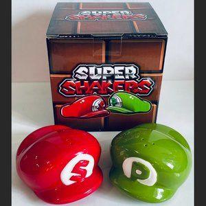 SUPER MARIO BROS. HATS ~ SALT & PEPPER SHAKERS